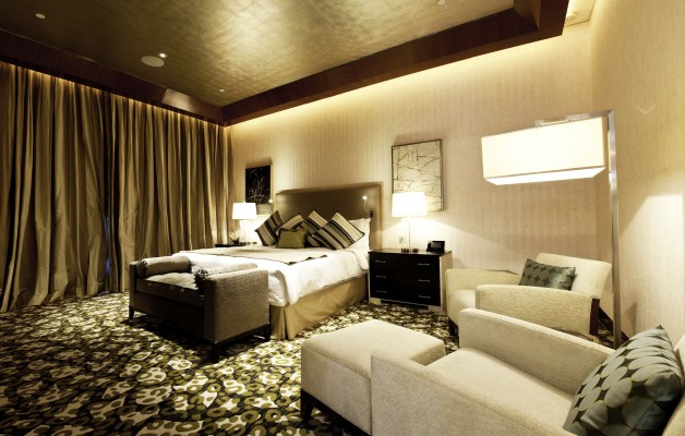 Marina Bay Sands Chairman Suite King Bed