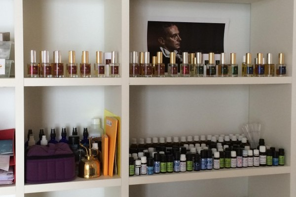 Perfumes in Zurich Atelier by FL Parfums
