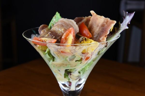 crispy kurobuta salad